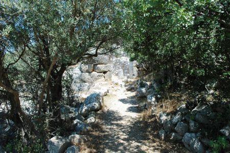 Ruiny starożytnego miasta Lato